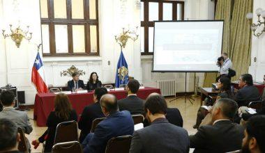 Directora del CEFIS UAI expone en seminario de Donaciones a Universidades e Institutos Profesionales