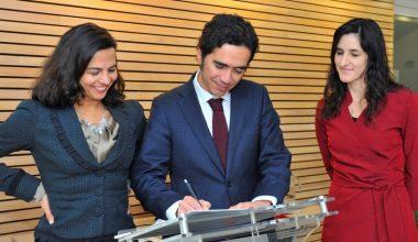 UAI y Harvard firmaron acuerdo para realizar primer mapeo de filantropía global